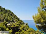 Groene hellingen bij Egremni-strand - Lefkas (Lefkada) - Foto van De Griekse Gids