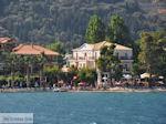 Strand Nidri (Nydri) foto 1 - Lefkas (Lefkada) - Foto van De Griekse Gids