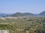 De baai van Vlicho met voorin Nidri (Nydri) - Lefkas (Lefkada) - Foto van De Griekse Gids