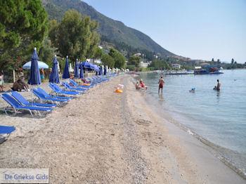 Strand Nidri (Nydri) foto 2 - Lefkas (Lefkada) - Foto van De Griekse Gids